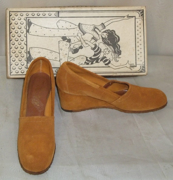 Vintage 1960's Footworks Suede Wedge Heels Shoes Pumps 8N Narrow w/box