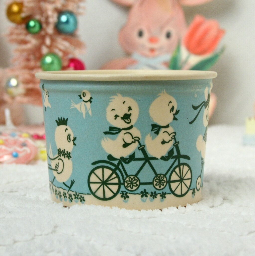 Vintage Easter Basket Lily Easter Joy Ride Wax Container