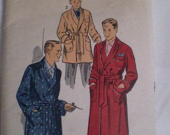 1950s Vintage Advance Mens Robe Size Medium Pattern
