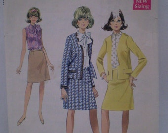 Style 2362 Vintage 1968 Pattern Womens Suit And Blouse Size 10