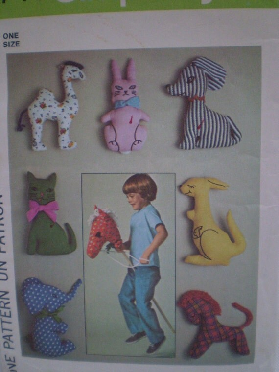 Simplicity 7744 - Pattern for Stuffed Animals Suitable for Babies and Hobby Horse