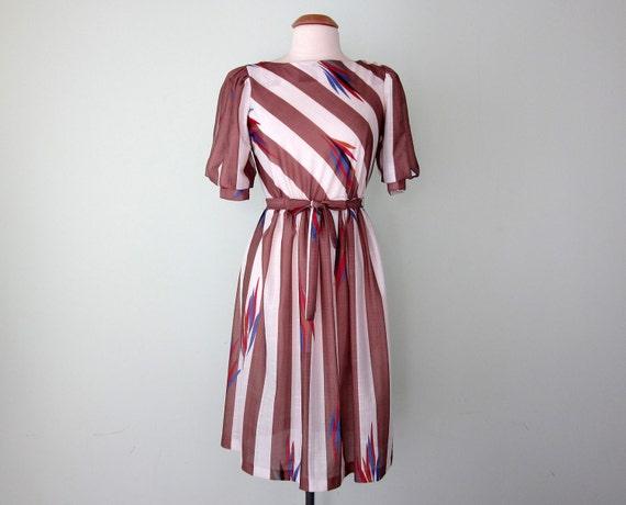 70s dress / caramel stripe feather print (s - m)
