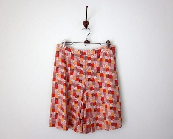 SALE 70s shorts / culottes calico patchwork (m - l)