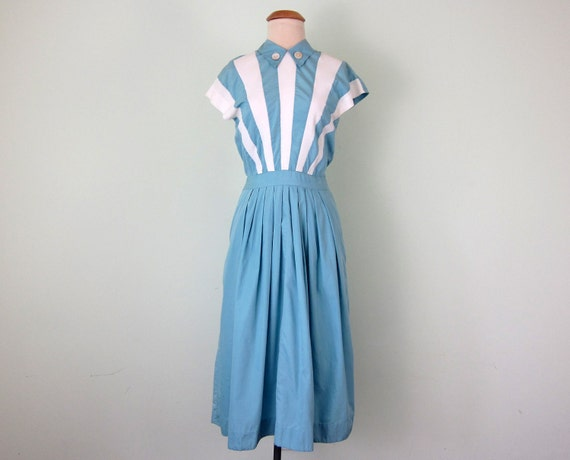 on hold... on hold... on hold.... 40s dress / baby blue stripe fitted waist cotton summer (xs - s)