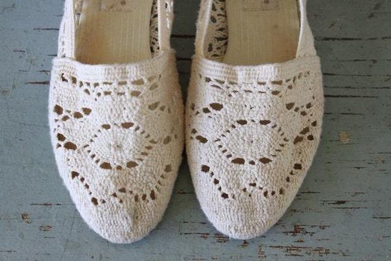 vintage CREME cotton CROCHET lace flats 7