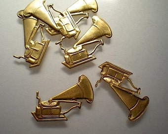 6 brass victrola charms