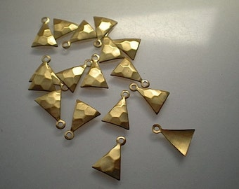 18 hammered brass drops, triangle shaped stampings
