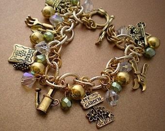 In the garden - charm bracelet