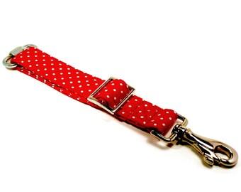 Dog seat belt - Pet car safety belt - Adjustable dog seat belt - Red and white polka dot pet car seat belt - for travelling