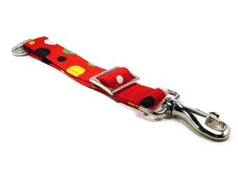 Dog car safety belt - Pet seat belt - Red dog seat belt - Colorful red polka dots dog car safety / seat belt for travelling