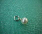 White Freshwater Pearl Charm - 6 mm