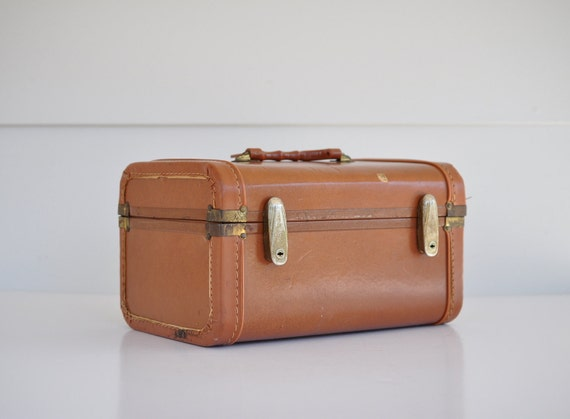 Vintage-Gateway Luggage-Train Case...