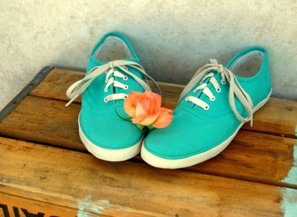 teal canvas sneakers size 8