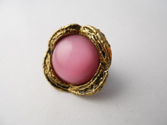 PINK CABOCHON, floral brooch