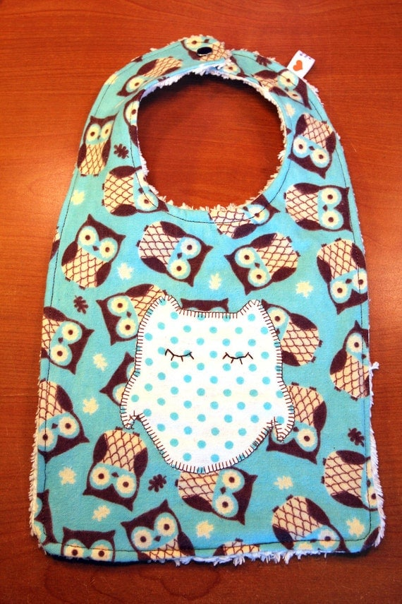 Baby Bib - Owl Applique and Retro Owl Theme  - Gender Neutral - Flannel and Chenille