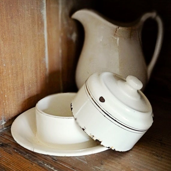 vintage enamelware covered butter dish with lid, cream with gold pin striping, from the Netherlands