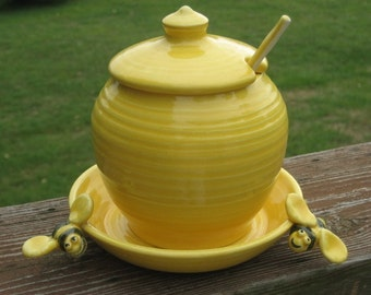 honey jar, yellow