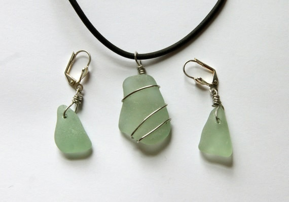 Seafoam Green Pendant and Earring Set, Value Priced