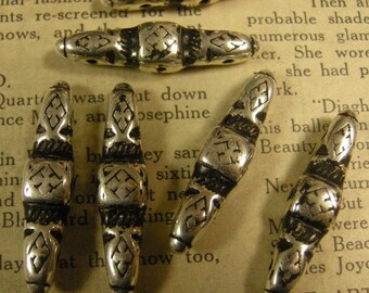 Three Hole Bead Bars with a Gothic Print (4)