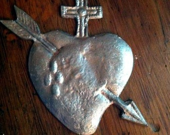 Valentines Day HEART MILAGRO with ARROW Tin Silver Ex Voto
