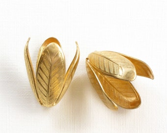 2 Large brass LEAF jewelry bead end caps. 21mm x 13mm (ST112)