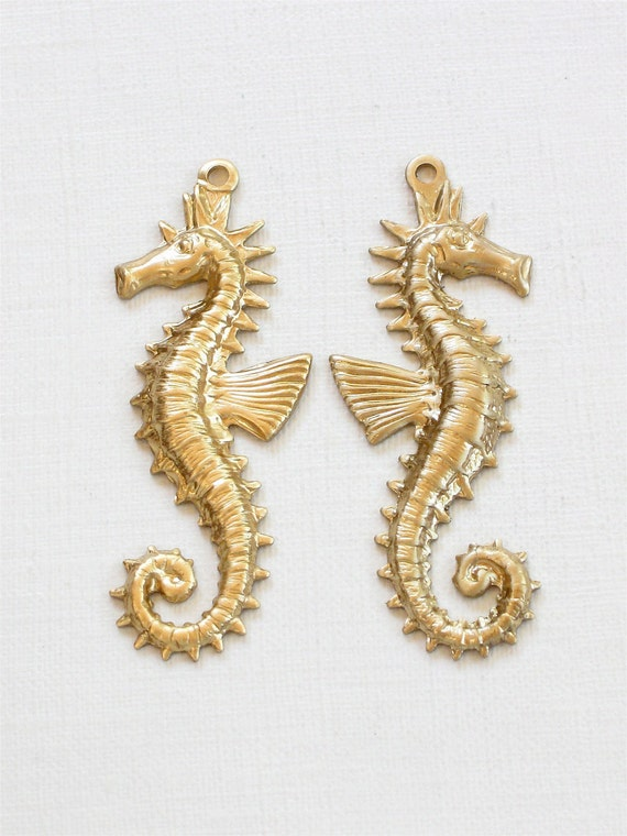 2 large brass SEA HORSE jewelry pendant  . Left and Right .  40mm x 14mm (FF38b)