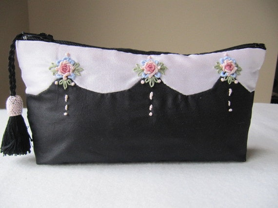 Hand embroidered silk jewelry or makeup purse