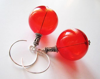 Cherry red earrings. Handblown glass earrings. Bright red earrings. Red glass earrings. Sterling silver earrings. Round earrings. Geometric.