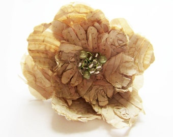 Beige silk flower. Beige flower barrette. Fabric flower barrette. Flower hair slide. Large flower barrette. Flower hair clip.