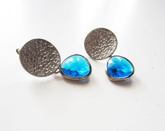 Capri blue faceted teardrop silver earrings hammered circle stud post style