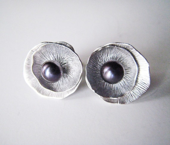 Purple aubergine lotus leaf and nestled pearl earrings.  Stud post style.  In silver.