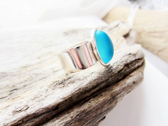 Aquamarine blue frosted glass and silver ring, 10x14