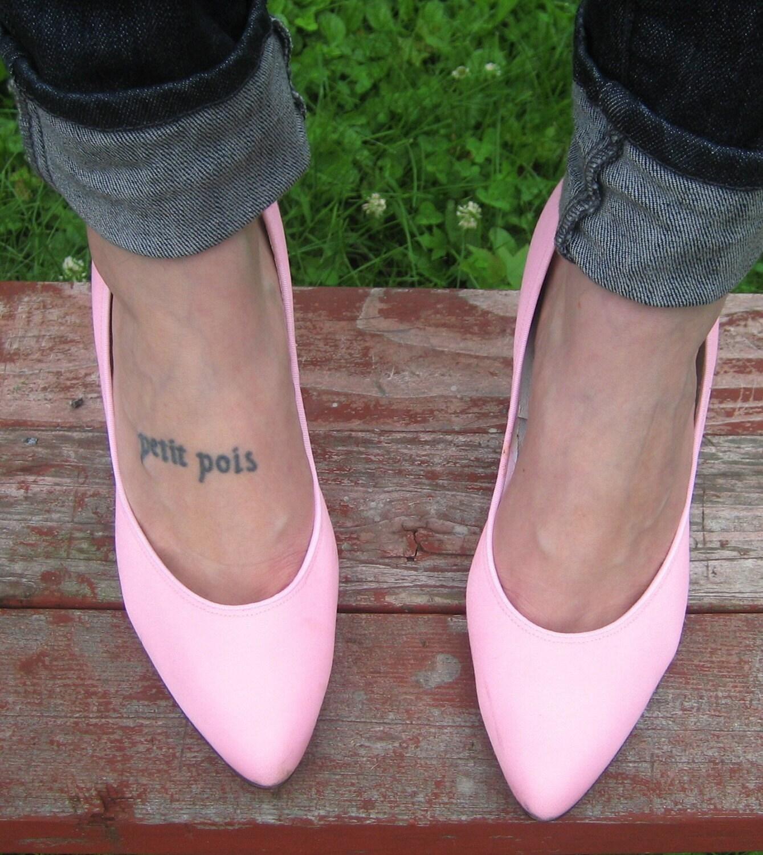 Vintage BUBBLEGUM Pink Classic High Heels by prairielandvintage