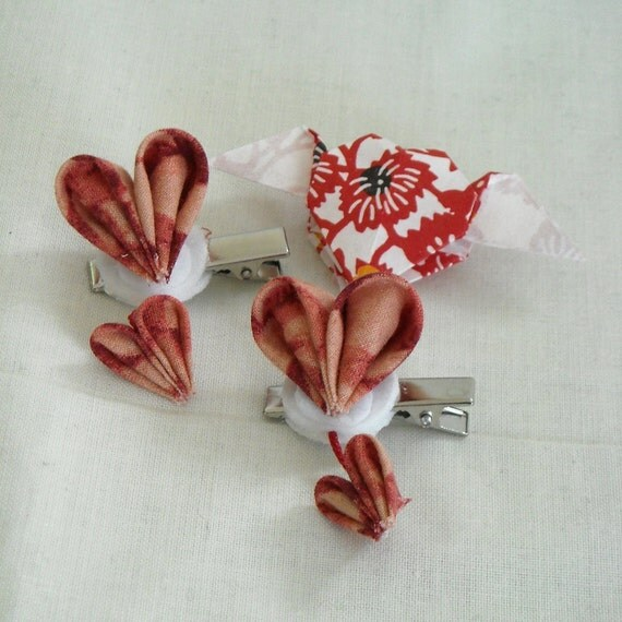 Kanzashi Red Fabric Flower Hairclip, Two Hearts