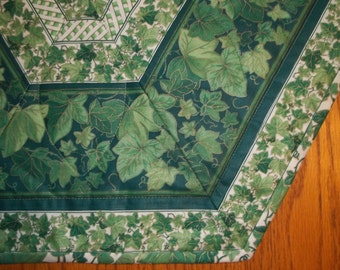 Trailing Ivy Quilted Table Topper