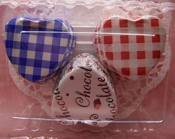 FREE SHIPPING with another item Cute Trio of hearts choco cups (set of 30)