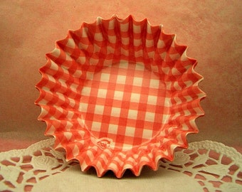 FREE SHIPPING with another item Cute Raspberry Checks candy cups (set of 25)