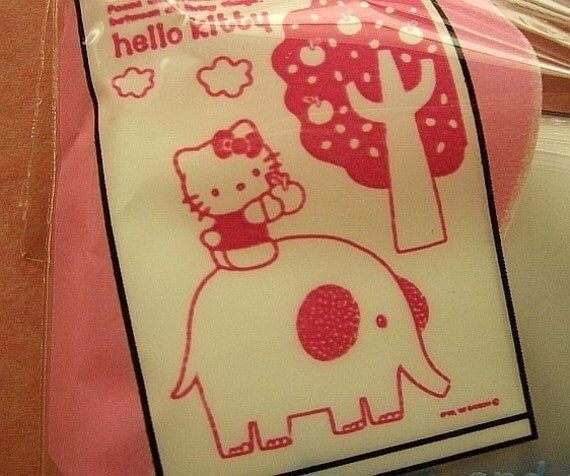 Cute Hello Kitty gift bags (set of 80)