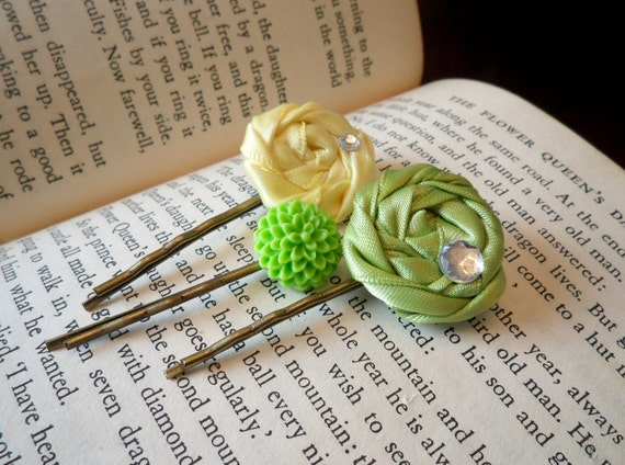 Green Flower Bobby Pins