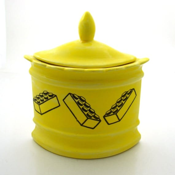 Lego (R) Kitchen Canister Triangular Bright Sunshine yellow