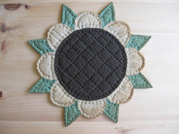 Primitive Quilted Table Mat Trivet Candle Mat Quilted Table Topper Sunflower Rustic Decor Country Kitchen Decor Farmhouse Kitchen Housewares