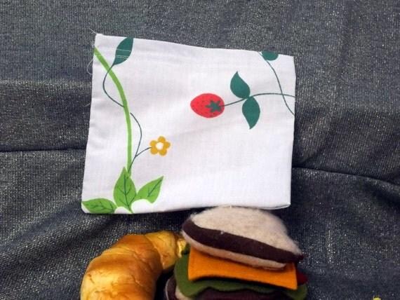 Reusable Sandwich Bag, Strawberry Vines Design