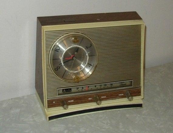 vintage arvin alarm clock transistor radio sale by retroology. Black Bedroom Furniture Sets. Home Design Ideas