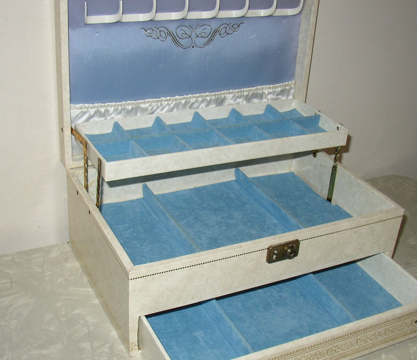 Vintage Mele Jewelry Box White And Blue
