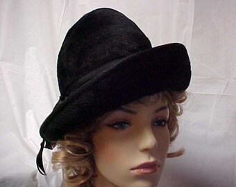 Black imported fur-velour tilted cloche hat made in Germany by Mister T