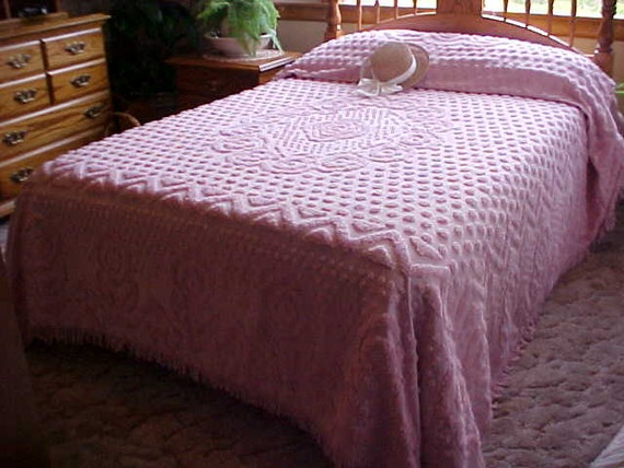 Dusty Rose Plush Chenille Bedspread With Pattern All By