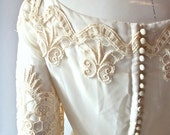 designer wedding dress Alfred Angelo by Edythe Vincent / 1960s 1970s empire waist/ romantic princess style/ size 2/4