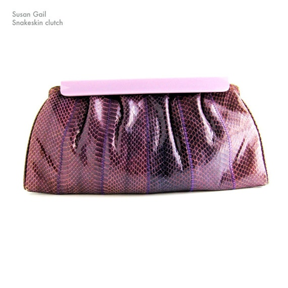 80s snakeskin clutch - purple amethyst lavender - Susan Gail New York - lucite clasp- Halston style Gucci style