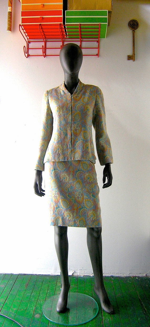 Mary McFadden silk tapestry jacqaurd day suit - size 10 - jacket and skirt - designer 1980s American couture