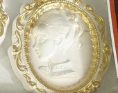 MINT Cameo Wall Plaques - Vintage Favor-Ware Chalkware Sealed in Original Package